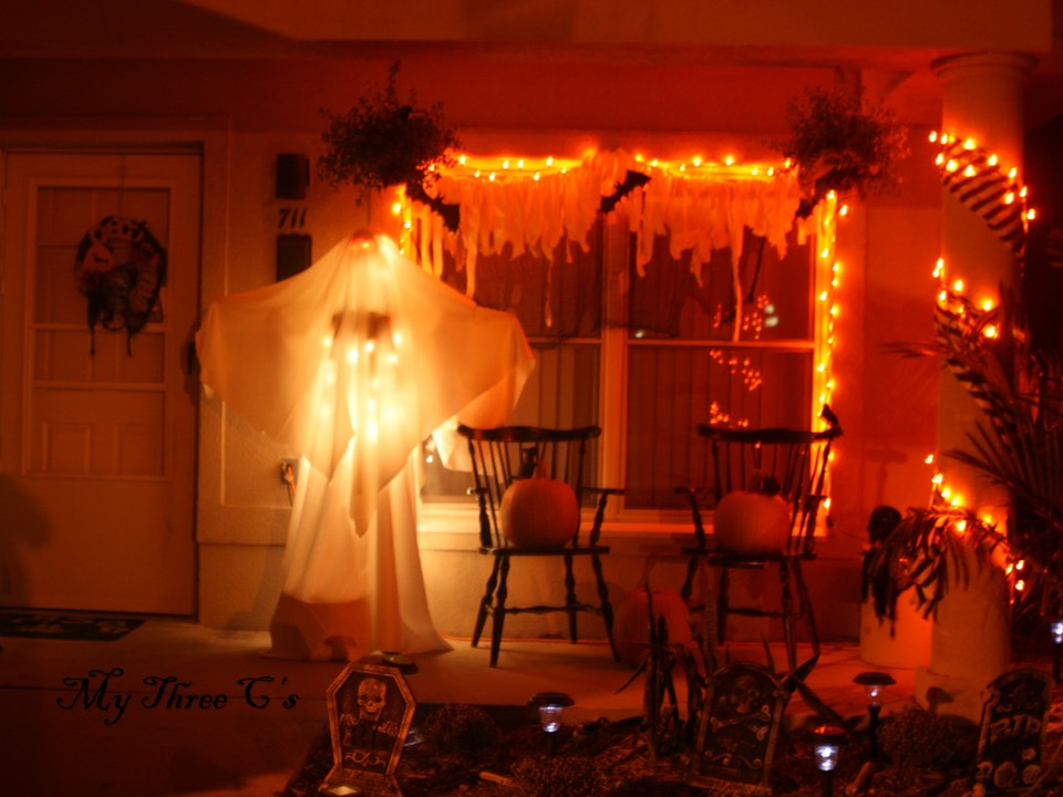 Halloween decor cheap and easy my three c 39 s - Cheap and easy halloween decorations ...